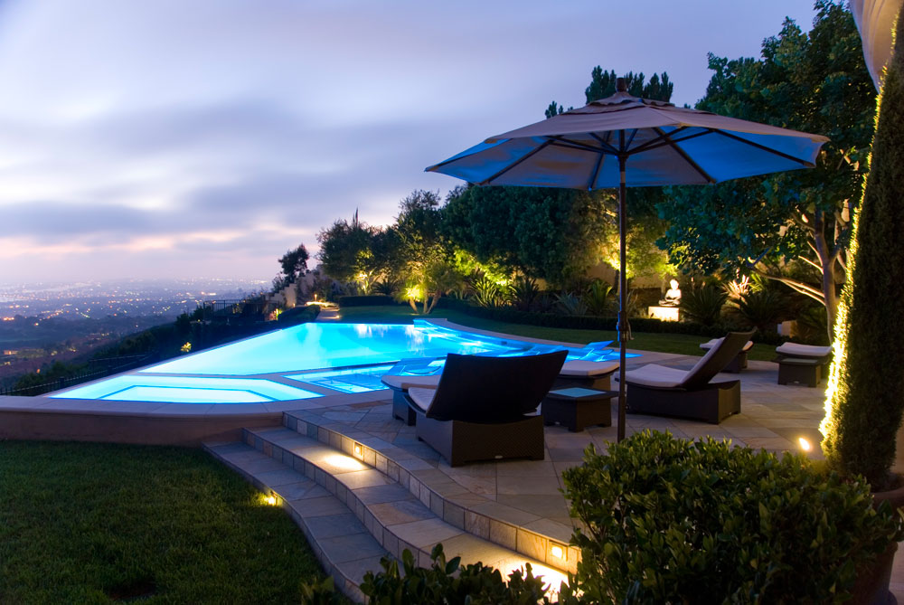 Top 4 Construction Tips for Breathtaking Infinity Pools in Orange County, CA