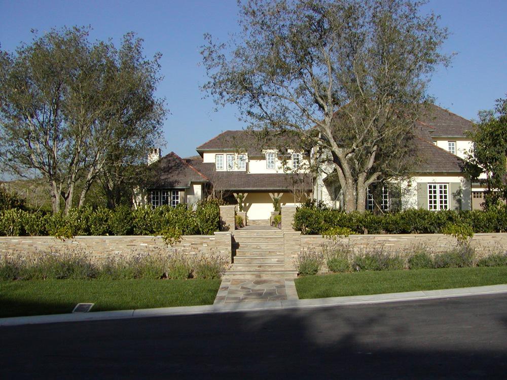 Building Masonry Retaining Walls that Last a Lifetime in Laguna Beach, CA