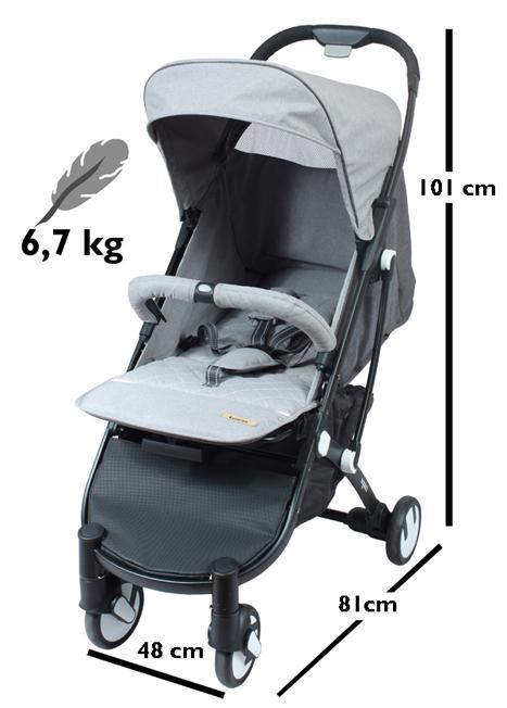 - La poussette SQUIZZ se déplie et se plie d'un seul coup de main en gardant votre bébé dans les bras. Il vous suffit de débloquer la double sécurité au niveau de la poignée. Le crochet de maintien se met en place automatiquement et la poussette tient debout sur les roues arrières et les roulettes additionnelles.