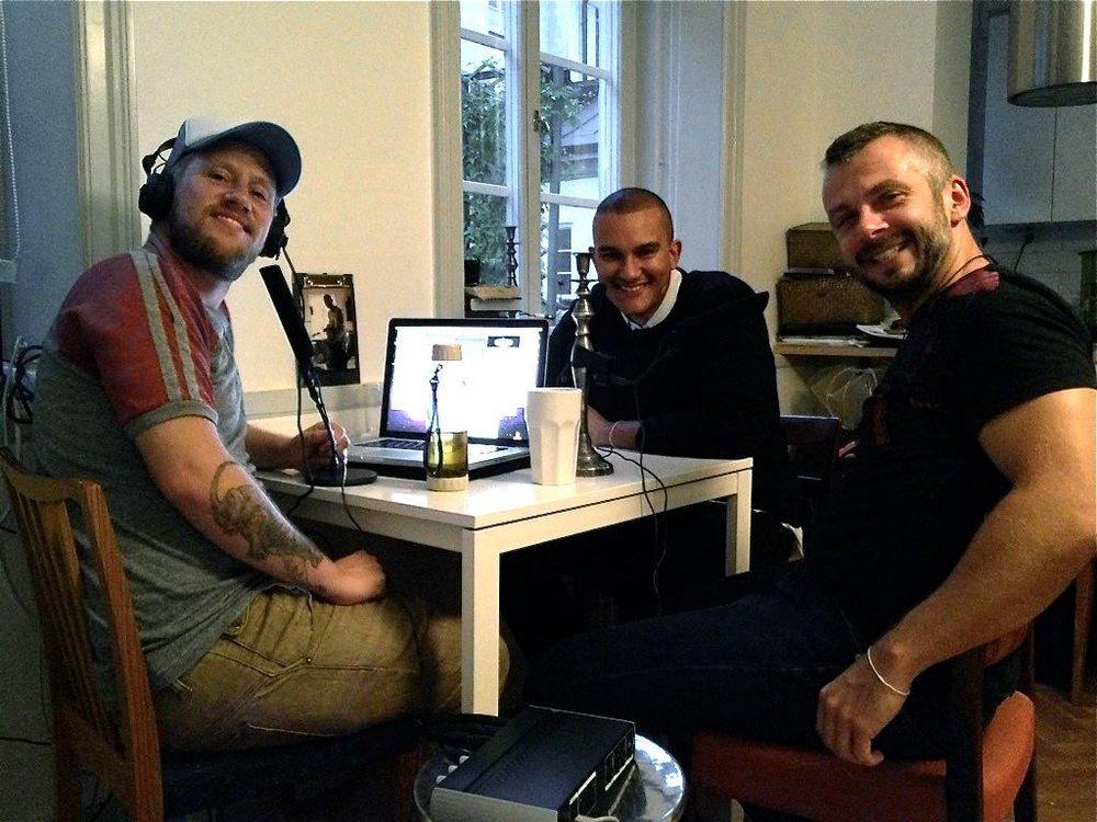 Robin, Christopher och Micke under en inspelning
