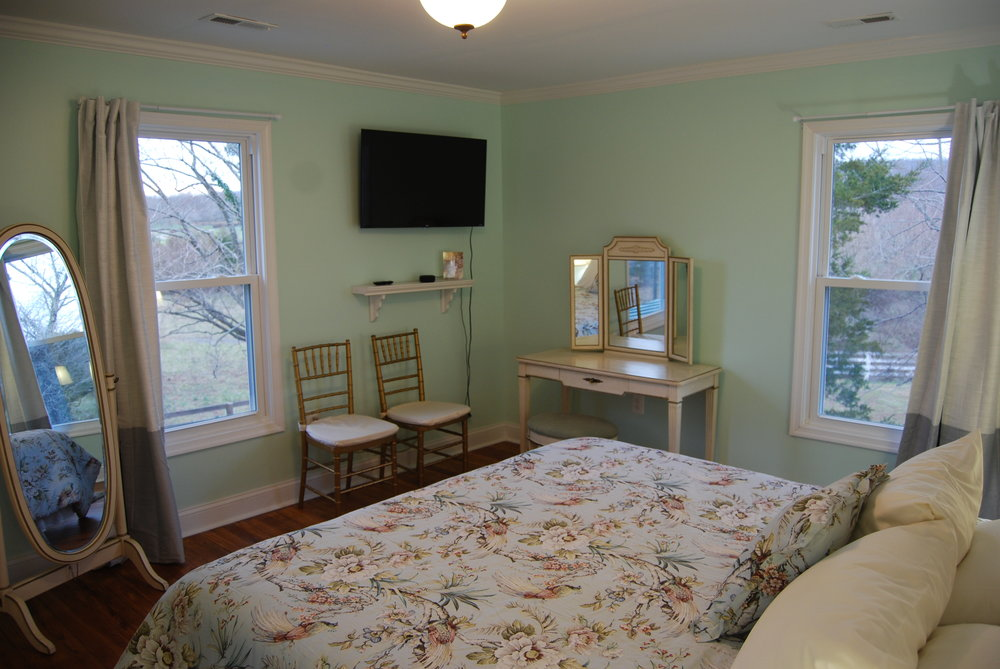 bedroom g4.JPG