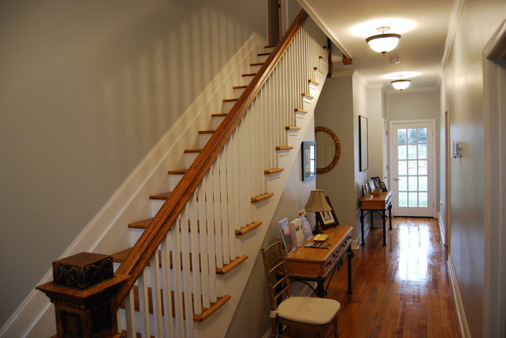 downstairs hallway 2.JPG