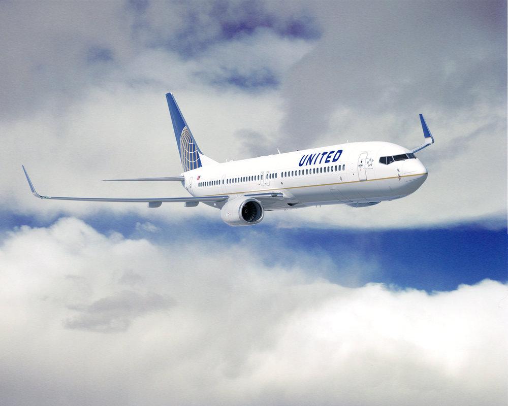 United_737_900ER.jpg