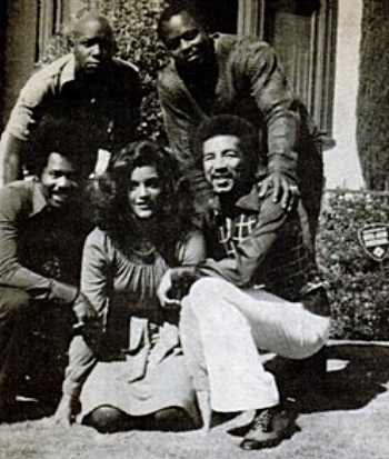 Smokey with (l-r standing) Tobar Mayo and Roger Mosley, Christipher Joy, Jayne Kennedy