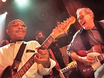 Eddie Willis (left) with Joe Messina, December 2000 (photo J. Kyle Keener, Detroit Free Press)