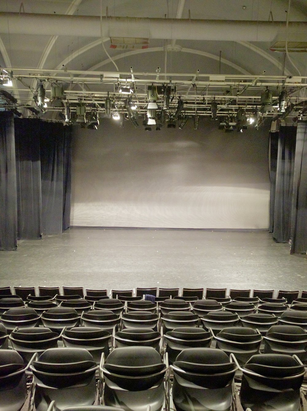 Theatre with full masking