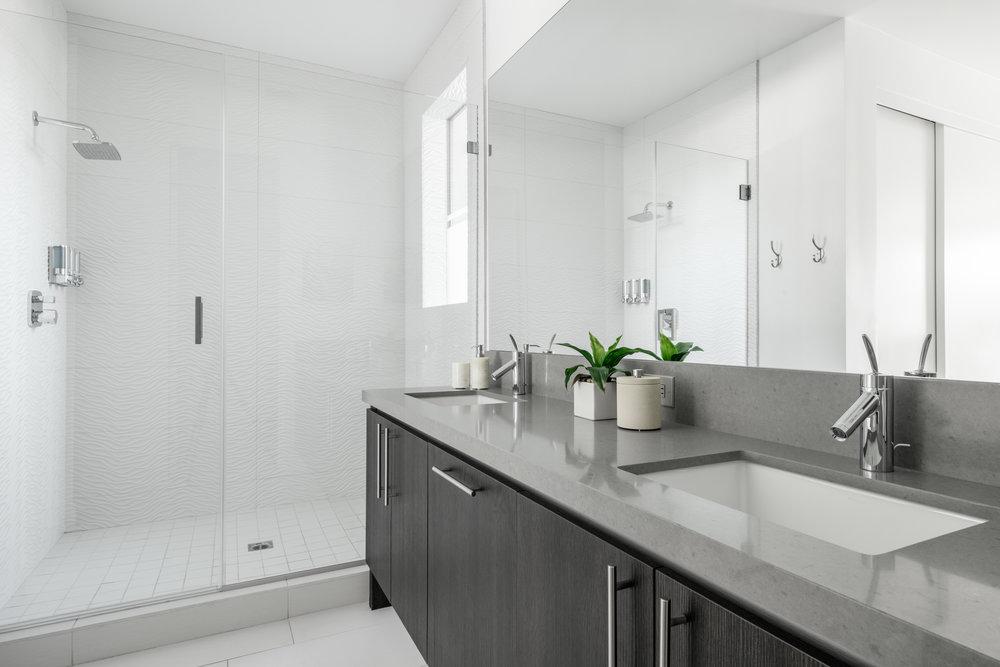 House 6 Bath 3.jpg
