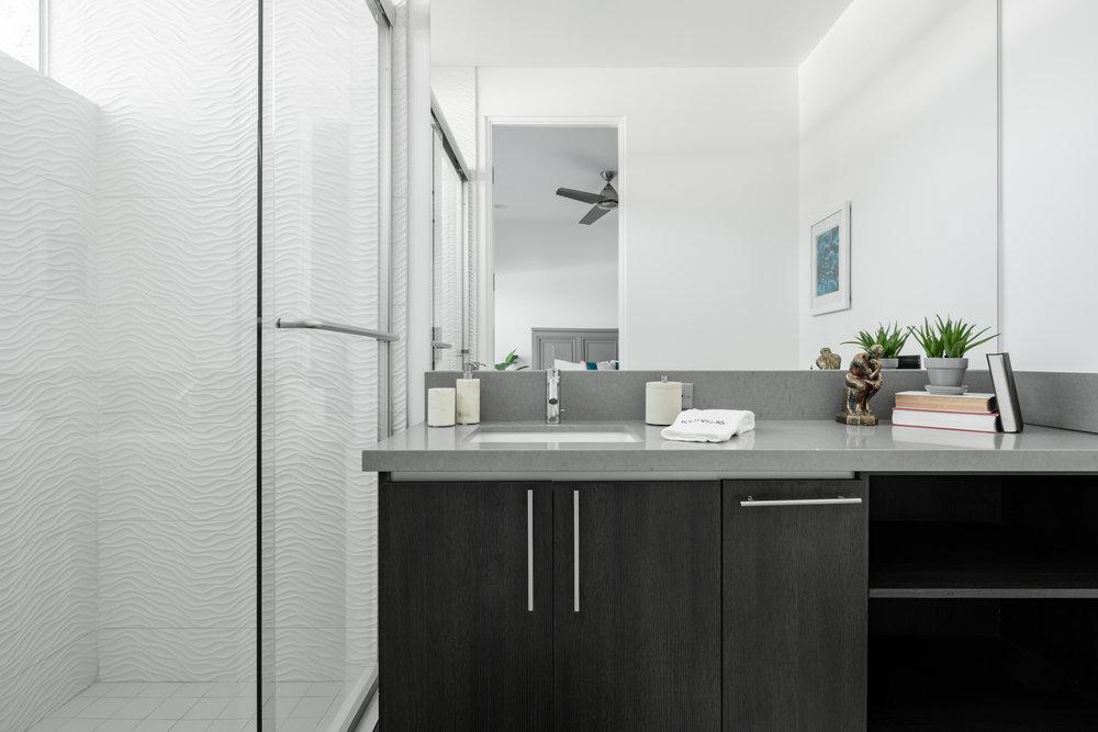 House 6 Bath 4.jpg