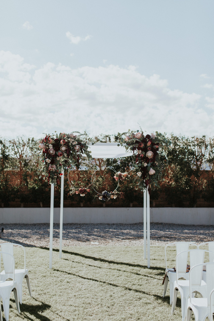 this-modern-romantic-wedding-at-the-polo-villas-mixes-cool-and-warm-colors-in-the-prettiest-fashion-alexandra-wallace-19.jpg