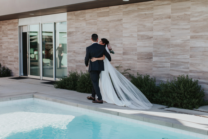 this-modern-romantic-wedding-at-the-polo-villas-mixes-cool-and-warm-colors-in-the-prettiest-fashion-alexandra-wallace-29.jpg