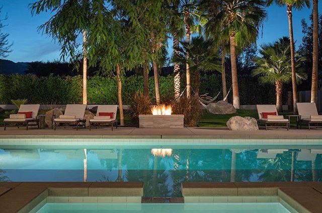 Poolside evening vibes at Polo Villas 🔥 #polovillas #luxuryvacationrentals #laquinta