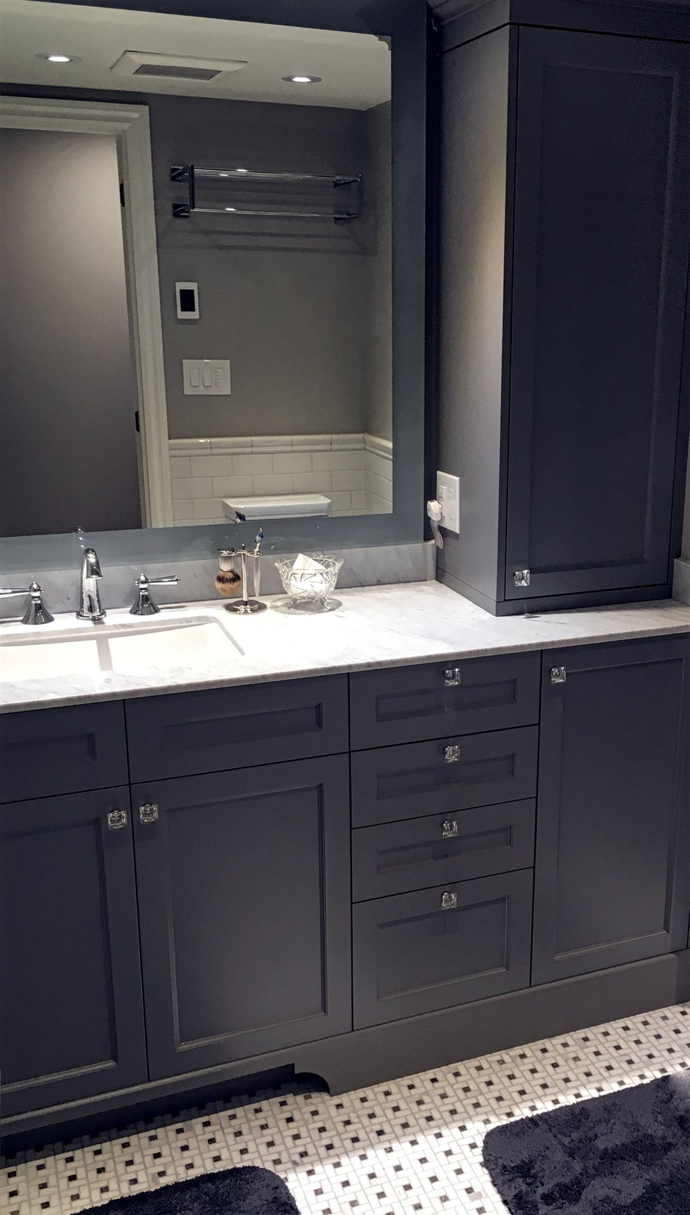 Leslieville man bathroom.jpg
