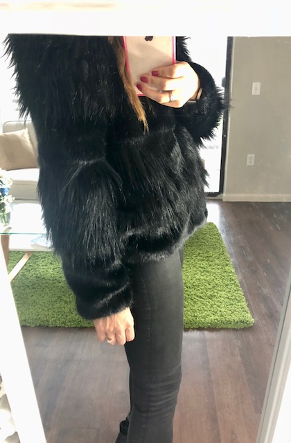 The grooves in the fur pattern make it not so puffy like a snowball and add that little extra something.