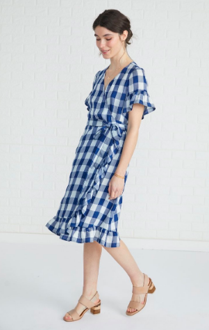 Amour Vert gingham dress  Bring on the Americana! (and highlight your waistline at the same time!)