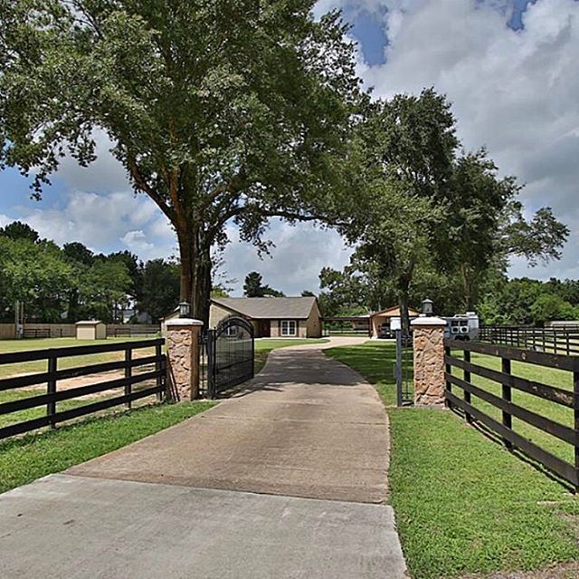 #sold this beauty in #Cypress. Two acres and gorgeous single family home. #countrylivinginthecity
