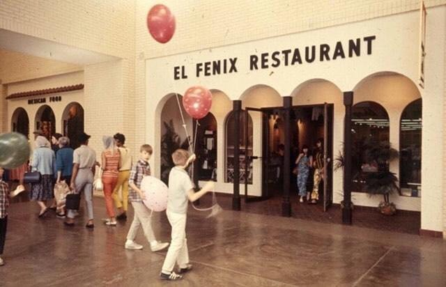 This El Fenix location was inside this Dallas landmark for over 40 years!  In the comments below, tell us which Dallas landmark is pictured here for your chance to win a $25 Gift Certificate.