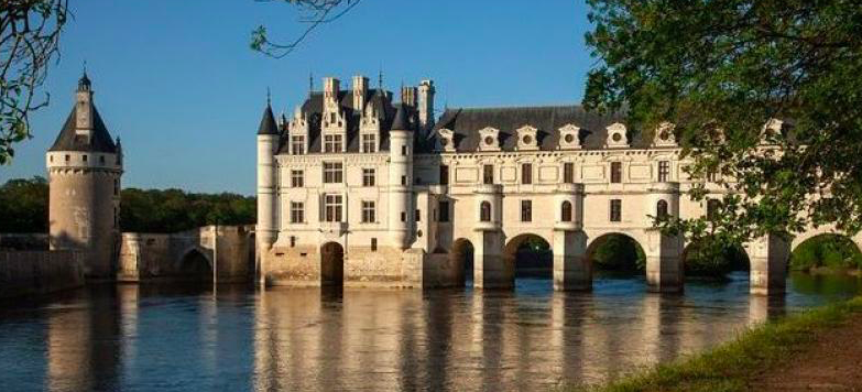 Chateau de Chenonceau  in the Loire Valley, France - I can't wait to take my own picture!