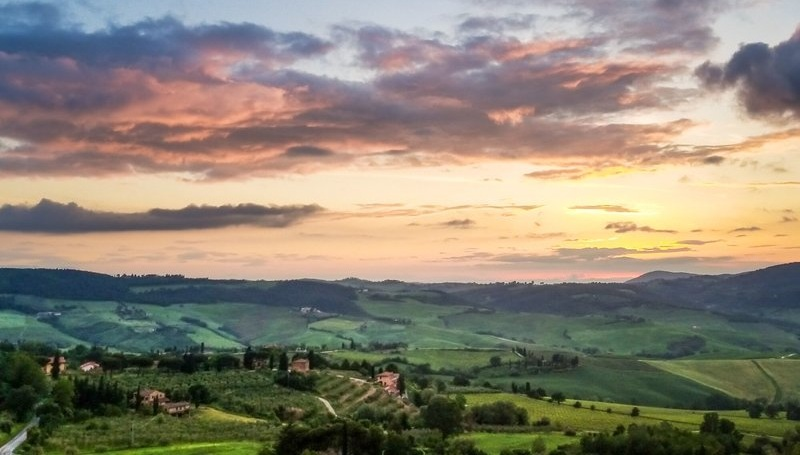 The Val d'Orcia at sunset - A 3 Day Itinerary in Tuscany for Wine Lovers