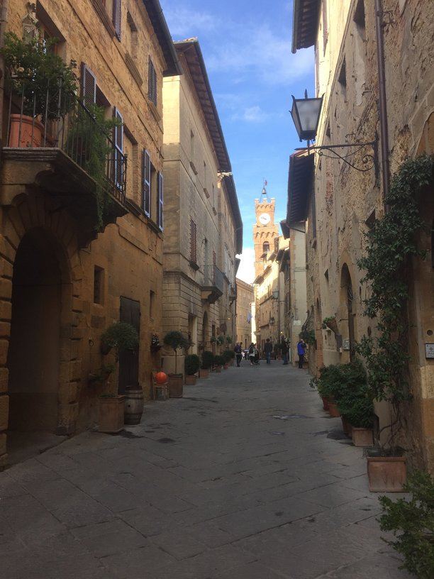 The main street in Pienza during rush hour