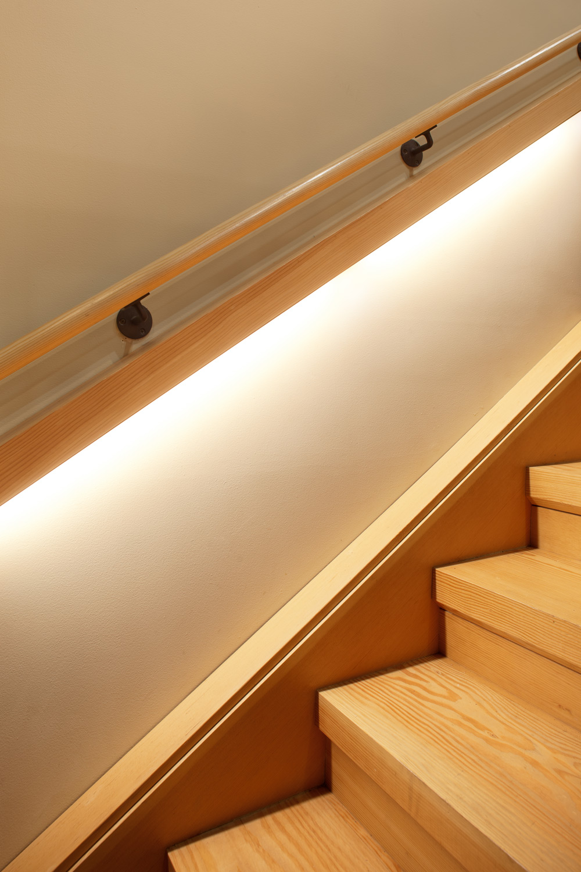 06_SCC-JoshPartee-9766-handrail-light.jpg