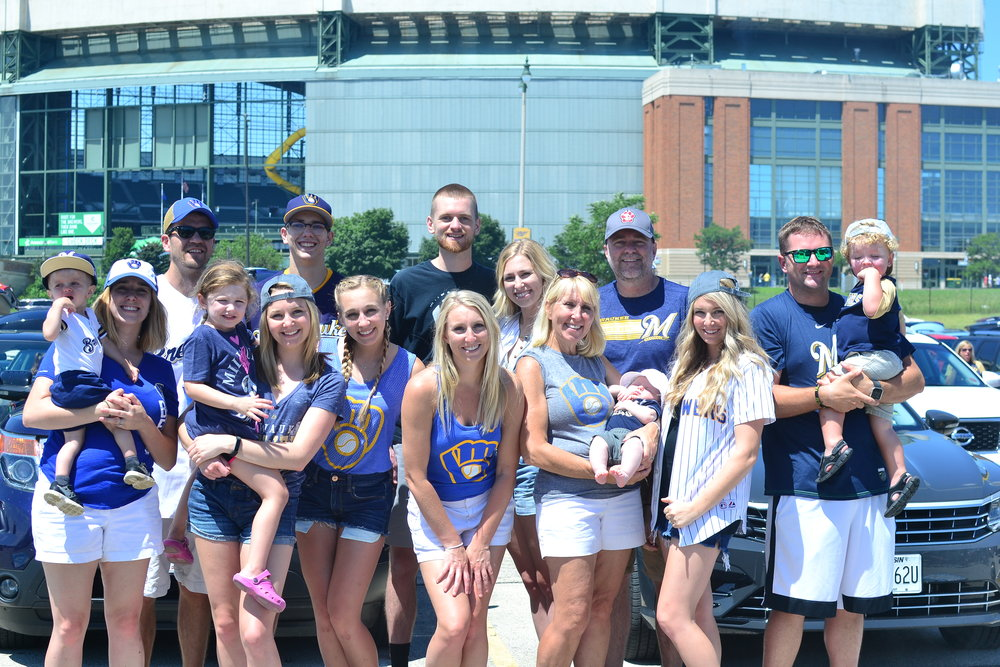 group picture tailgating at the brewer's game