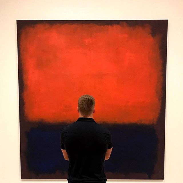 Rothko Dash • • • #sanfrancisco #sf #sfmoma #moma #modernart #rothko #art #painting #abstract #photography #shotoniphone #lululemon #bigonbig