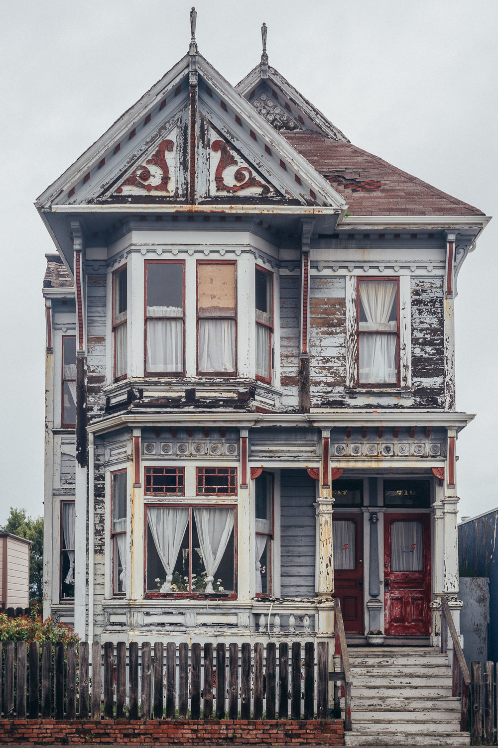 One of the many Victorian homes in Eureka, CA