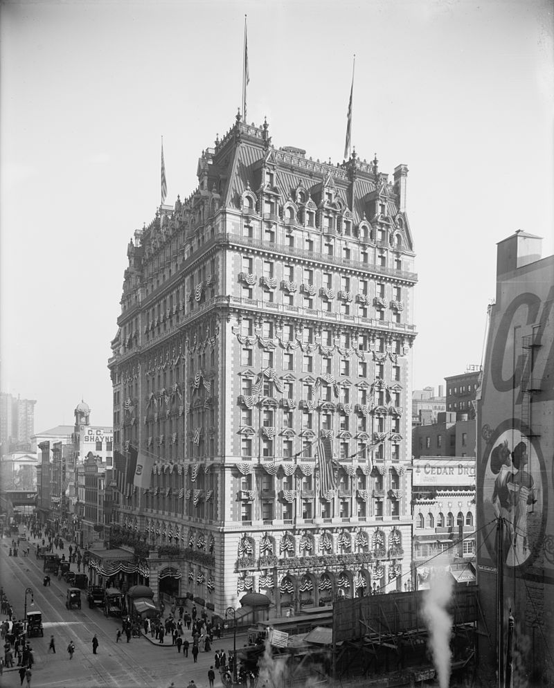 The Knickerbocker Hotel, at the corner of Broadway and 42nd Street in 1909