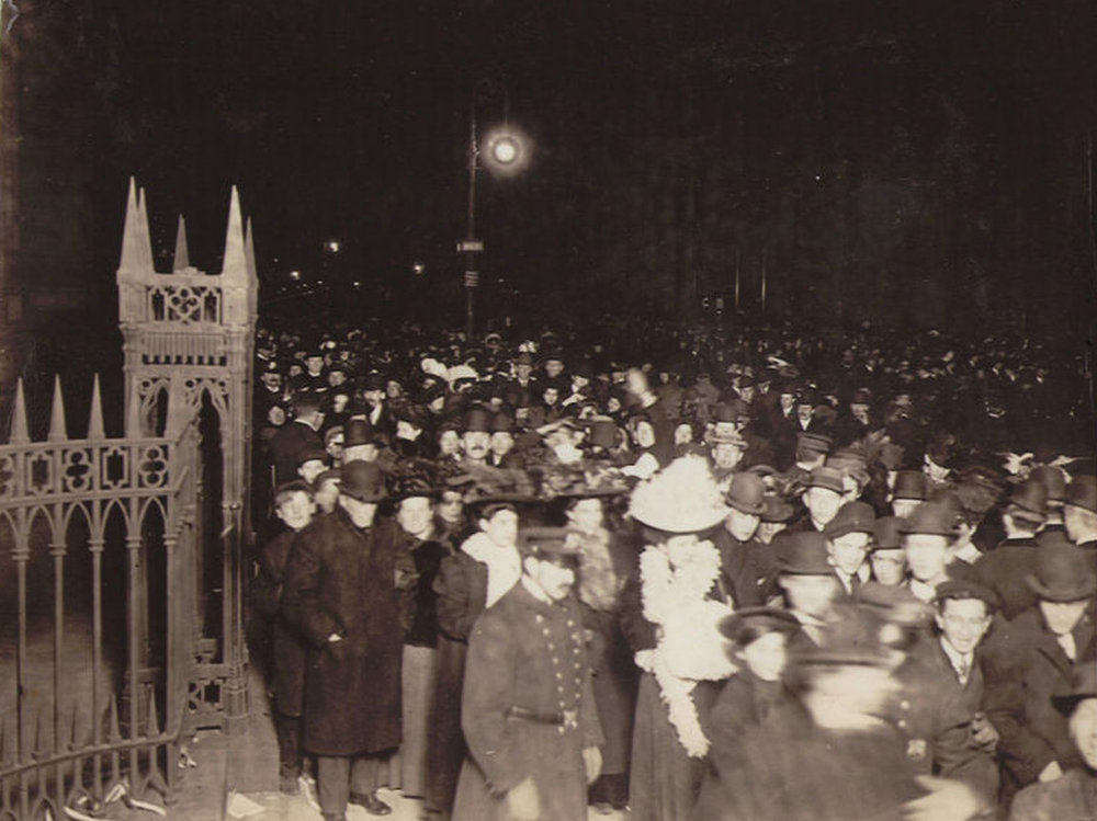 Crowds outside of Trinity Church at Broadway and Wall Street, New Year's Eve, 1907