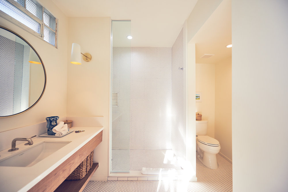 This bathroom is phenomenal, two words: space and light