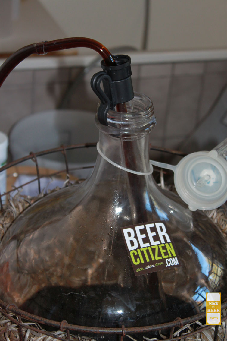 Siphoning from the carboy, special shout out to beercitizen.com