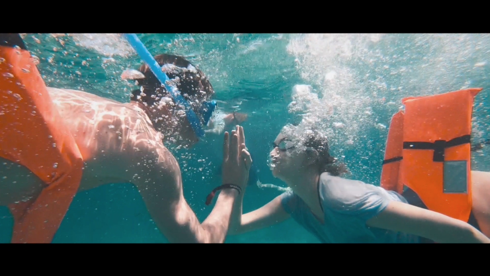 Sia Partners Cancun Snorkelling 2 consultants.png