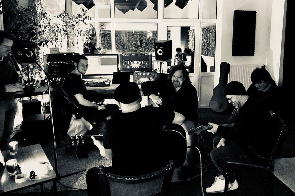 Live und Overdub - hier: Im Esszimmer der Münsterland Studios