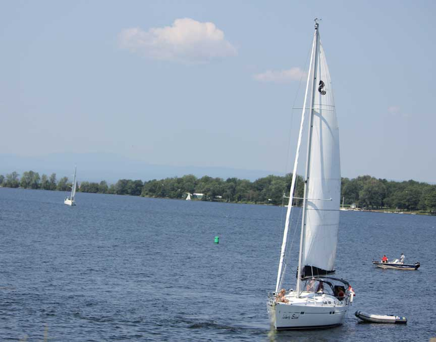 Sailing at Champlain Islands