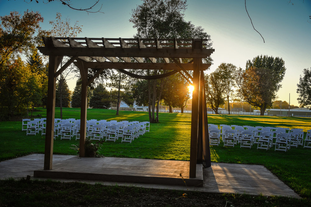 The Clearings - The beautiful outdoor wedding space available at the Marshall Golf Club. This one-of-a-kind space allows engaged couples to have their wedding ceremony and wedding reception in one location. I look forward to shooting many weddings here in the years to come.