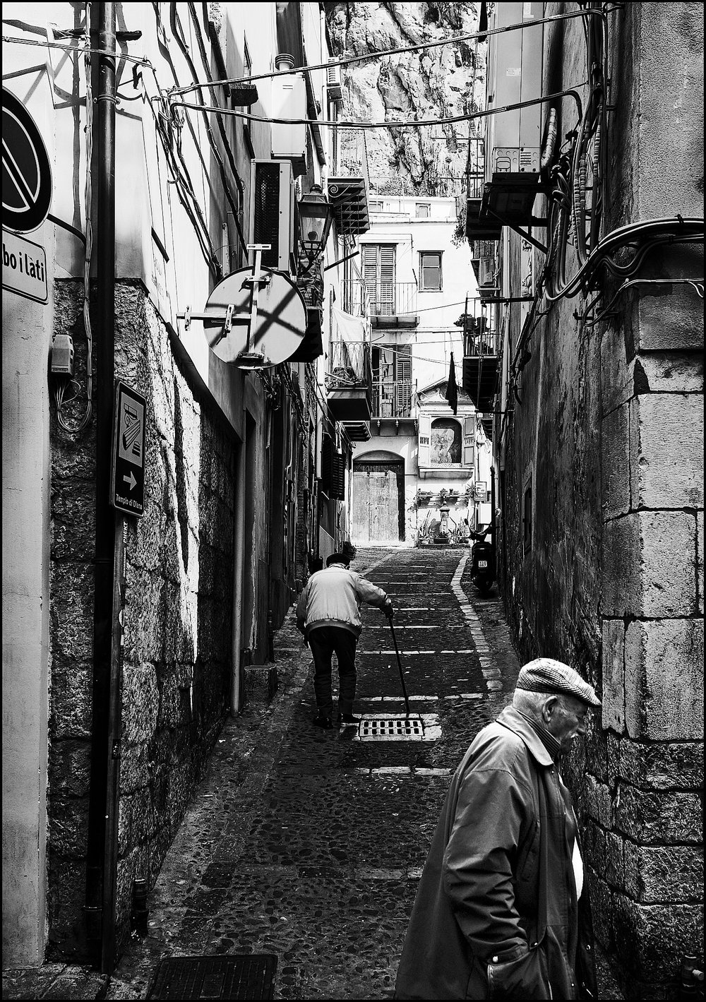 Walking the  streets of Cefalù...
