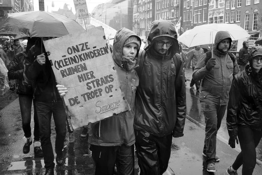 Demonstration for better control of human impact on climate change.