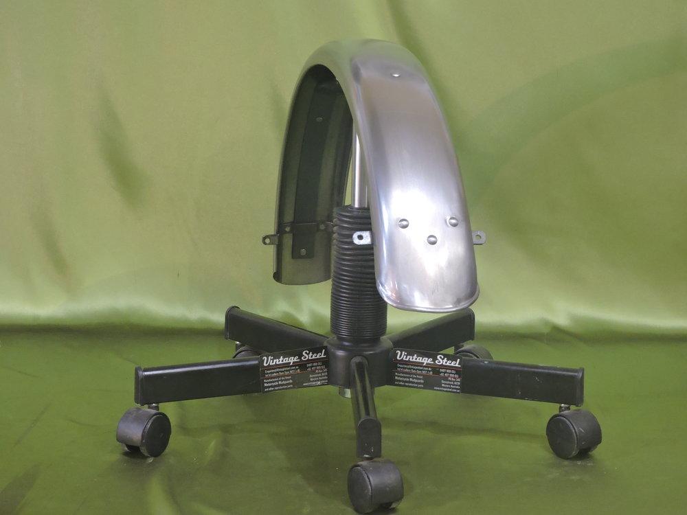 11 Norton Custom (3).JPG