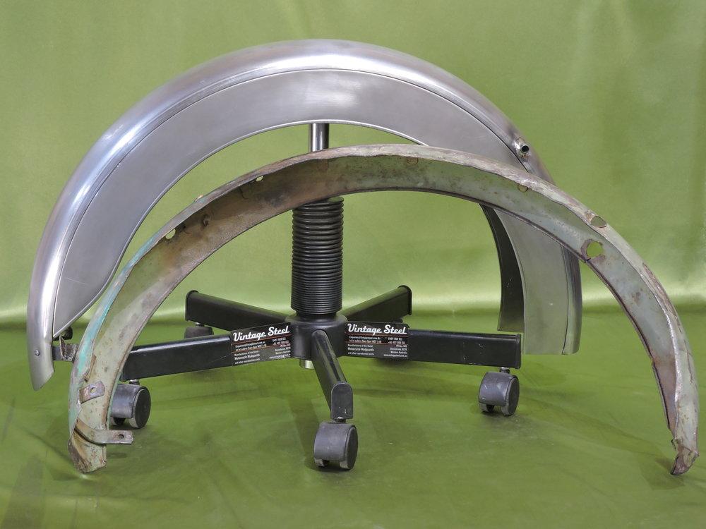 09 BSA Bantam Rear plunger (11).JPG