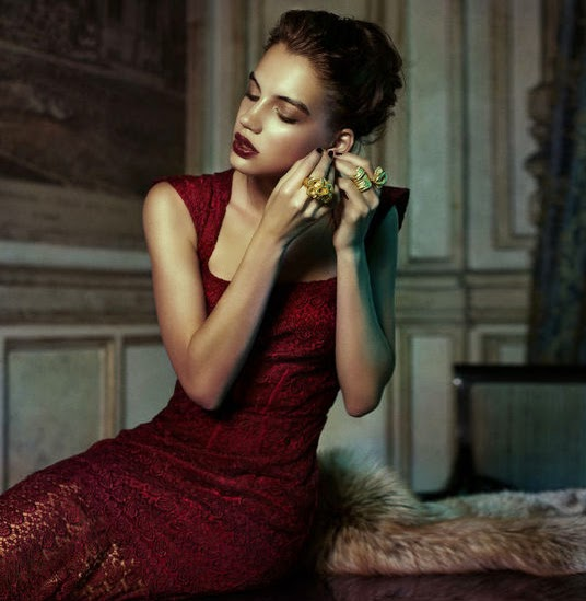 money cant buy you class, classy, luxury, woman, red dress, furr, stunning