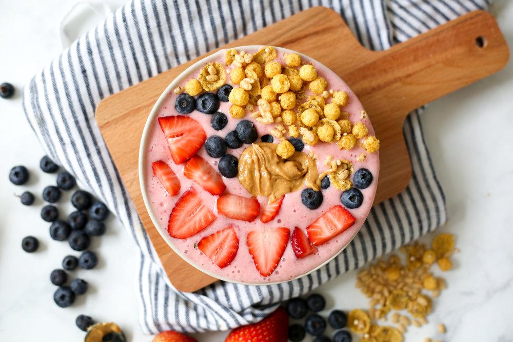Strawberry Smoothie Bowl_-9.jpg