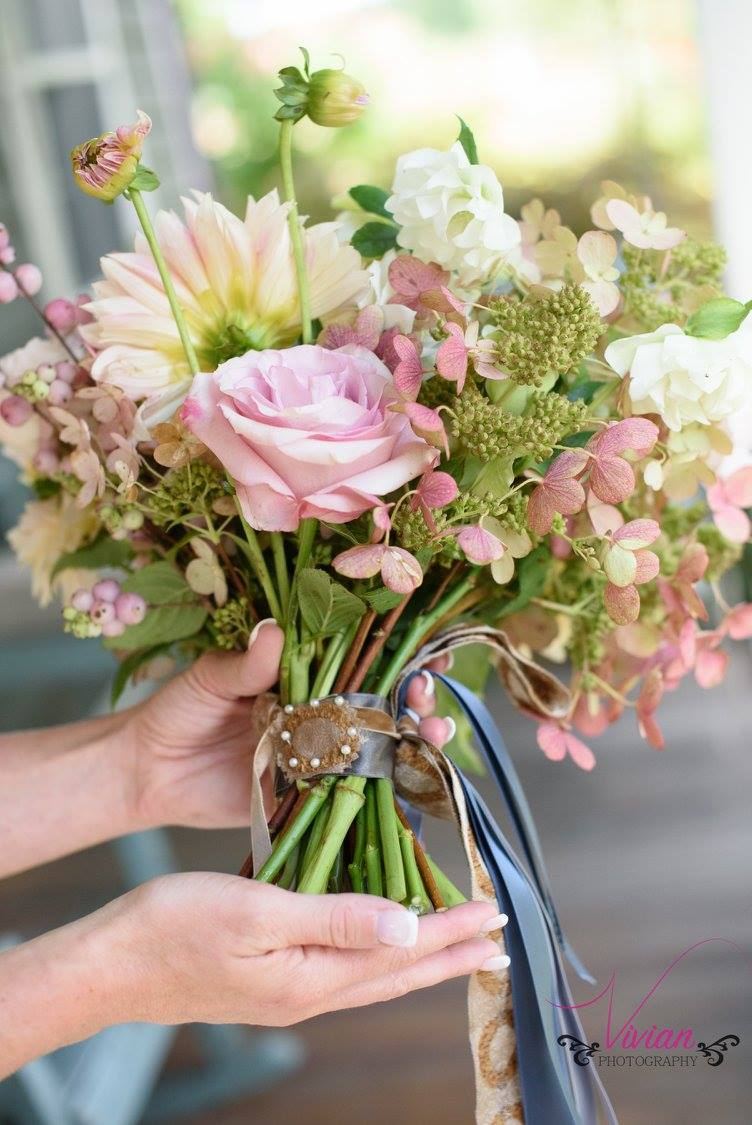 brides-bouquet-at-crested-henn-farms.jpg