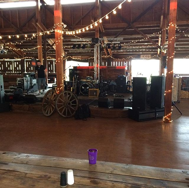 I'm playing in a barn tonight with @raesolomonmusic #ellensburgrodeo