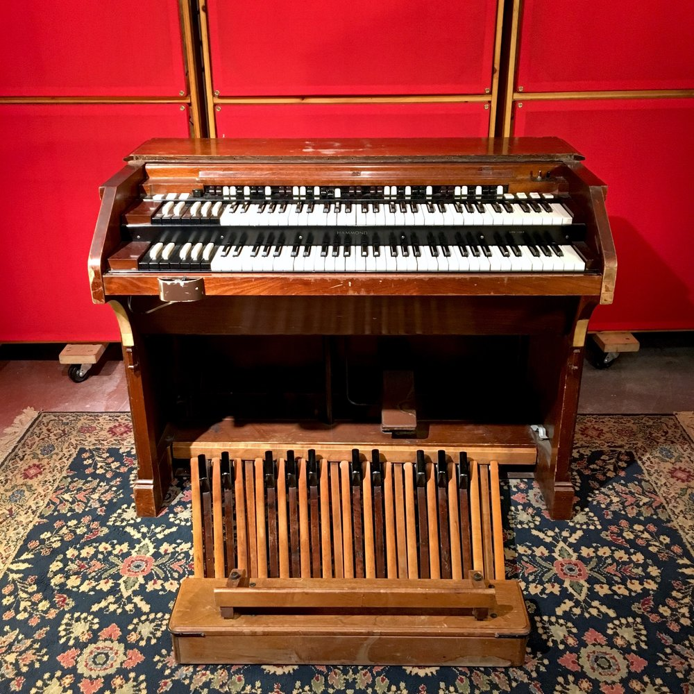 Hammond C3 with Foot Pedals