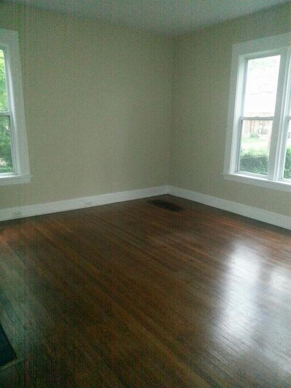 8346-livingroom.jpg