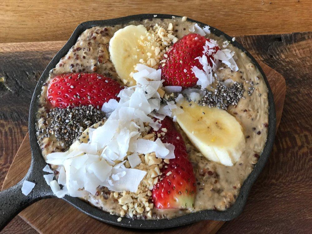 Quinoa peanut butter porridge