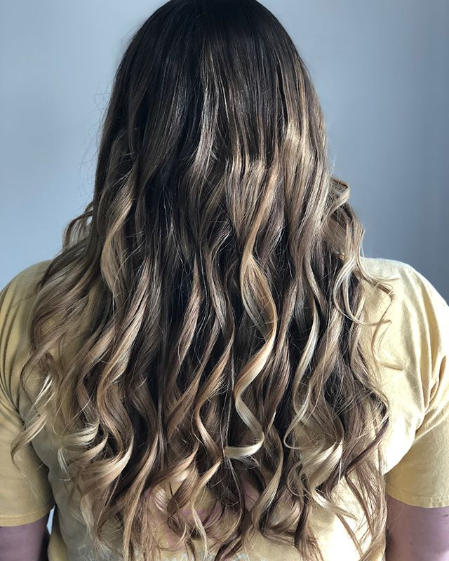 B R O N D E ✨// My last client until August! I'll be out on maternity leave BUT if you are needing an appointment check out @victoria_kenyon @epiphanychattanooga ! #chattanoogahair #cha #chastyle #epiphanynorthshore