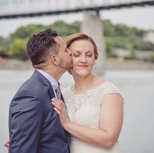 Sundays are for lovers✨// Hair&Makeup: @shainaramsey #chattanoogabride #tennesseebride #chattanoogawedding