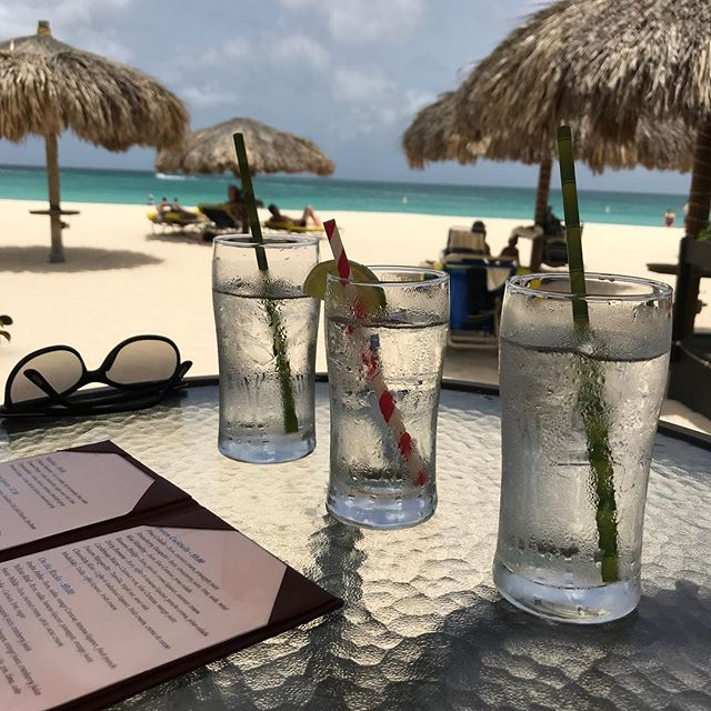 This does not suck!  #aruba #arubabeach #passionsonthebeach #vacation #getmorefrank