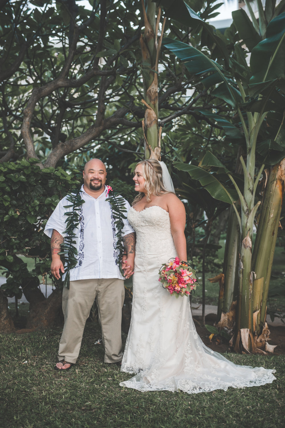 tropical bride and groom in maui